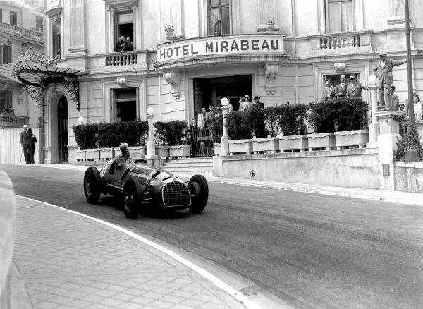 1950 Monaco Grand Prix.Monaco, Monte Carlo. 21st May 1950.Luigi Villoresi (Ferrari 125). Ref-C26705.World Copyright: LAT Photographic