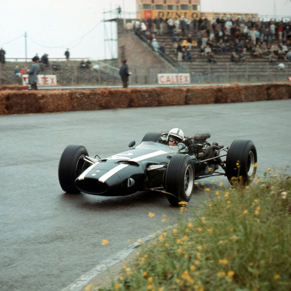 Zandvoort, Holland.22-24 July 1966.John Surtees (Cooper T81 Maserati).Ref-3/2288.World Copyright - LAT Photographic