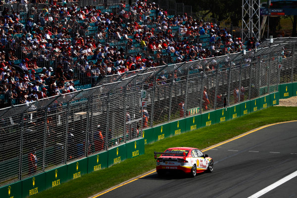 Australian Supercars Series Albert Park, Melbourne, Australia. Sunday 26 March 2017. Race 4. Scott McLaughlin, No.17 Ford Falcon FG-X, Shell V-Power Racing Team.  World Copyright: Zak Mauger/LAT Images ref: Digital Image _56I0326