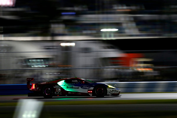 2017 Rolex 24 Hours. Daytona, Florida, USA Thursday 26 January 2017. #69 Ford Performance Chip Ganassi Racing Ford GT: Andy Priaulx, Harry Tincknell, Tony Kanaan World Copyright: Alexander Trienitz/LAT Images ref: Digital Image 2017-24h-Daytona-AT1-1056