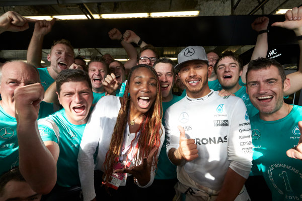 Circuit of the Americas, Austin Texas, USA. Sunday 23 October 2016. Lewis Hamilton, Mercedes AMG, 1st Position, celebrates with Tennis star Venus Williams and the Mercedes AMG team. World Copyright: Steve Etherington/LAT Photographic ref: Digital Image SNE10807