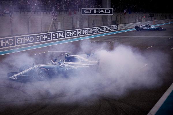 Yas Marina Circuit, Abu Dhabi, United Arab Emirates. Sunday 26 November 2017. Valtteri Bottas, Mercedes F1 W08 EQ Power+, 1st Position, performs celebratory doughnuts at the end of the race. World Copyright: Steve Etherington/LAT Images  ref: Digital Image SNE21121