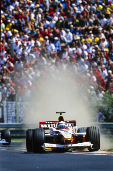 Alessandro Zanardi, Williams FW21 Supertec, runs wide.