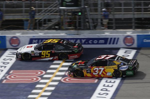 #95: Matt DiBenedetto, Leavine Family Racing, Toyota Camry Toyota Express Maintenance #37: Chris Buescher, JTG Daugherty Racing, Chevrolet Camaro Kroger Fast Start