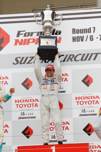 Rd 7 Suzuka, Japan. 6th - 7th November 2010.Race2, Winner Joao Paulo de Oliveira ( #19 Mobil1 TEAM IMPUL ) podium.World Copyright: Yasushi Ishihara/LAT Photographic.Ref: 2010FN_R7_023.
