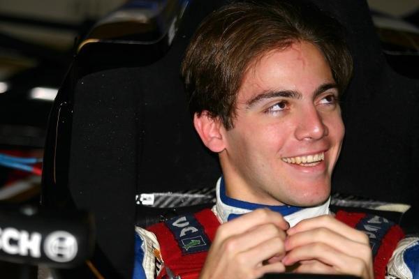 Danilo Dirani (BRA) tested for Carlin Motorsport at a wet Silverstone. General Testing, Silverstone, England, 12 December 2003. DIGITAL IMAGE