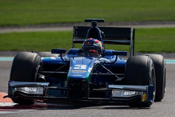 2015 GP2 Series Test 3. Yas Marina Circuit, Abu Dhabi, United Arab Emirates. Thursday 3 December 2015. Dean Stoneman (GBR, Carlin). World Copyright: Zak Mauger/LAT Photographic. ref: Digital Image _L0U1519