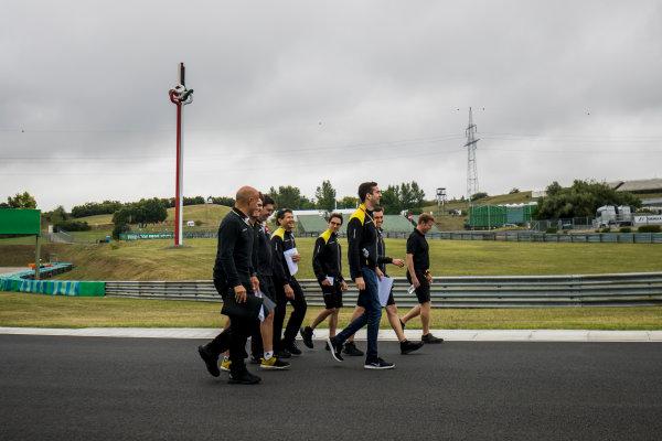 2017 FIA Formula 2 Round 7. Hungaroring, Budapest, Hungary. Thursday 27 July 2017. Oliver Rowland (GBR, DAMS) and Nicholas Latifi (CAN, DAMS).  Photo: Zak Mauger/FIA Formula 2. ref: Digital Image _56I0010