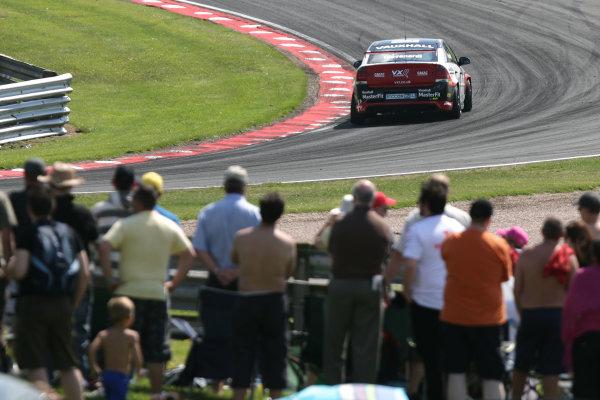31st May Oulton Park, CheshireFabrizio Giovanardi (ITA) - VX Racing Vauxhall VectraWorld Copyright: Jakob Ebrey/LAT Photographic