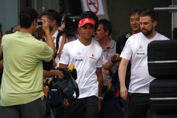 Shanghai International Circuit, Shanghai, China16th October 2008Lewis Hamilton, McLaren MP4-23 Mercedes. Portrait. World Copyright: Andrew Ferraro / LAT Photographicref: Digital Image _H0Y0536