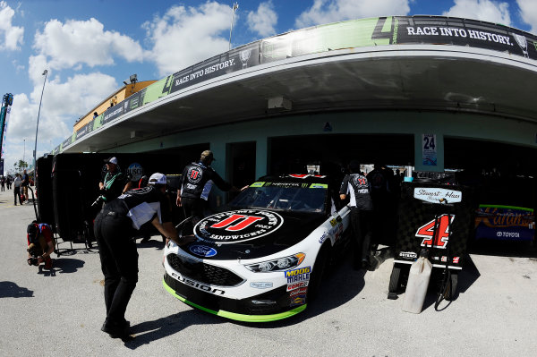 Monster Energy NASCAR Cup Series Homestead-Miami Speedway, Homestead, Florida USA Friday 17 November 2017 Kevin Harvick, Stewart-Haas Racing Ford World Copyright: Rainier Ehrhardt / LAT Images ref: Digital Image _RAE5953