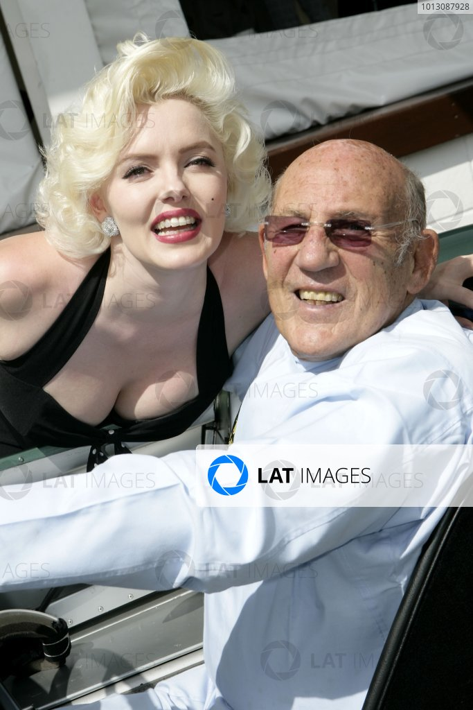 2007 Goodwood Revival Press Day.  Goodwood, West Sussex. 18th July 2007.  Marilyn Monroe and Sir Stirling Moss. World Copyright: Gary Hawkins/LAT Photographic.  Ref: Digital Image Only.