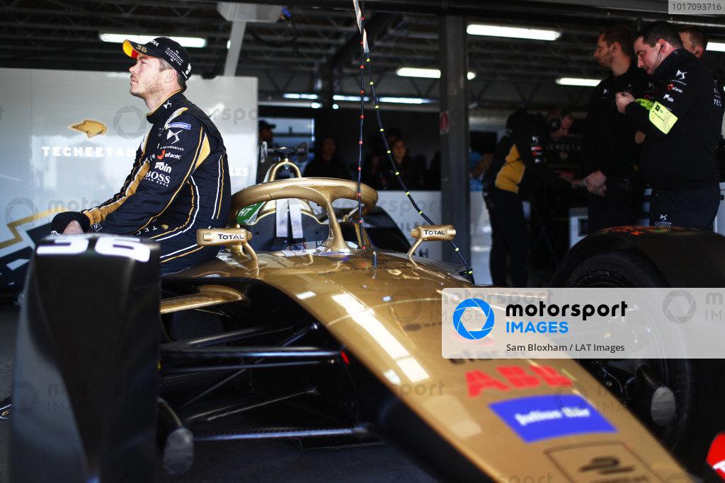 Andre Lotterer (DEU), DS TECHEETAH, in the garage