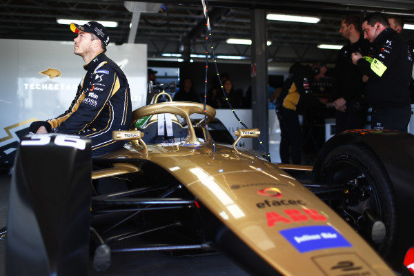 Andre Lotterer (DEU), DS TECHEETAH, in the garage