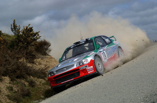 2002 World Rally Championship.Propecia Rally of New Zealand, Auckland, October 3rd-6th.Juha Kankkunen negotiates a curve on stage 12.Photo: Ralph Hardwick/LAT