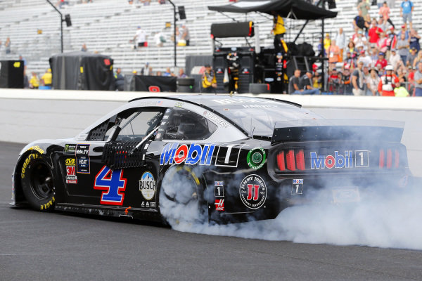 #4: Kevin Harvick, Stewart-Haas Racing, Ford Mustang Mobil 1 celebrates his win with a burnout