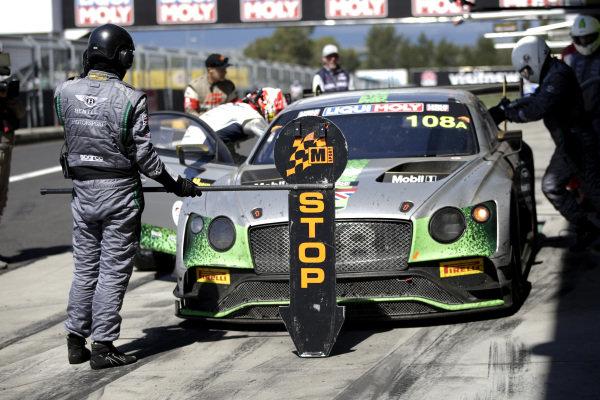#108 Bentley Team M-Sport Bentley Continental GT3: Andy Soucek, Maxime Soulet, Vincent Abril.