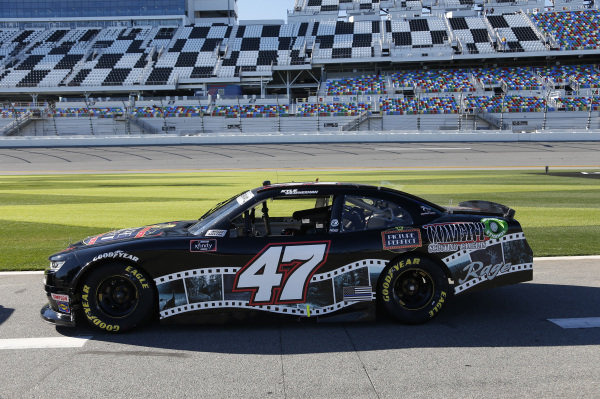 #47: Kyle Weatherman, Mike Harmon Racing, Chevrolet Camaro Picture Perfect