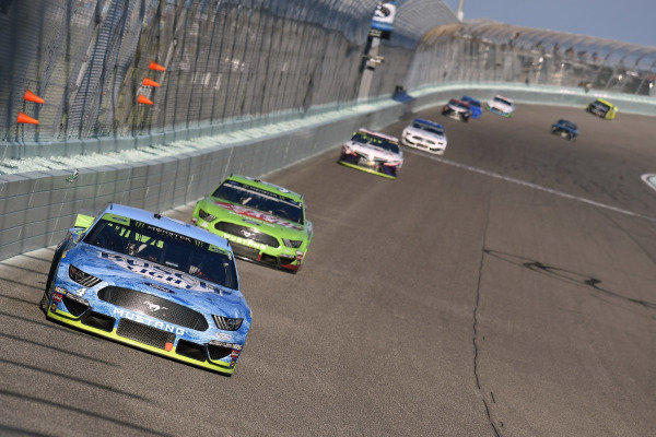 #4: Kevin Harvick, Stewart-Haas Racing, Ford Mustang Busch Light