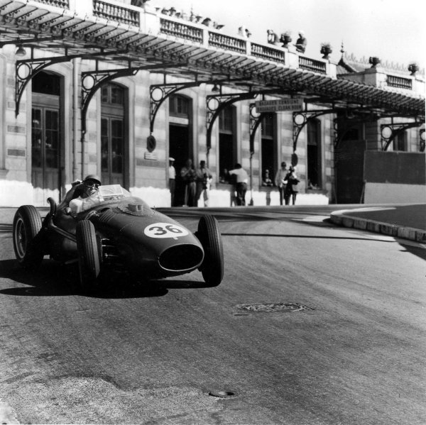 1958 Monaco Grand Prix.Monte Carlo, Monaco.15-18 May 1958.Peter Collins (Ferrari Dino 246) 3rd position at Station Hairpin.Ref-1984B/W.A Race Through Time exhibition number 79.World Copyright - LAT Photographic