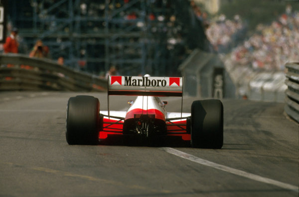 Monte Carlo, Monaco.4-7 May 1989.Ayrton Senna (McLaren MP4/5 Honda) 1st position.Ref-89 MON 12.World Copyright - LAT Photographic