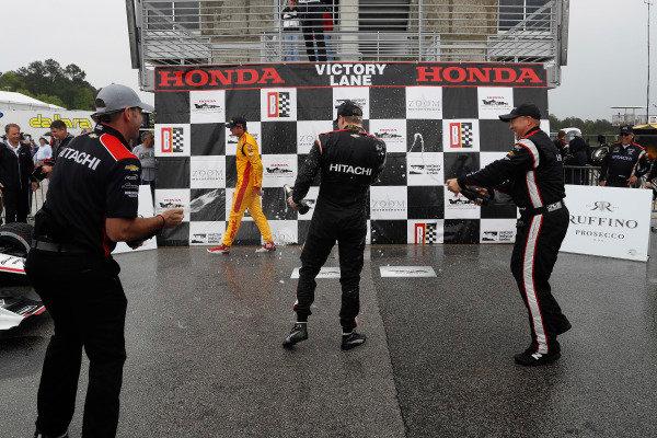 Josef Newgarden, Team Penske Chevrolet, champagne