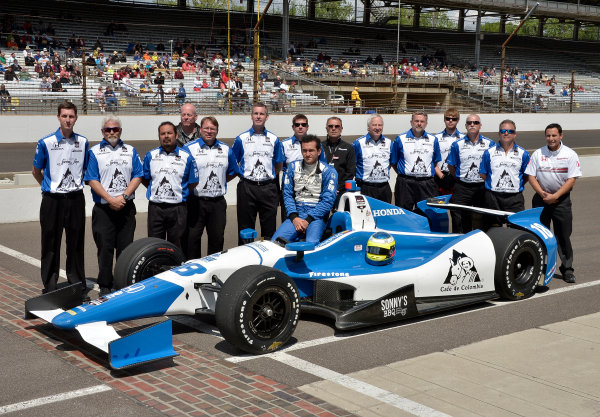 17-18 May, 2014, Indianapolis, Indiana, USA #18 Carlos Huertas, Dale Coyne Racing and crew ©2014 Dan R. Boyd LAT Photo USA