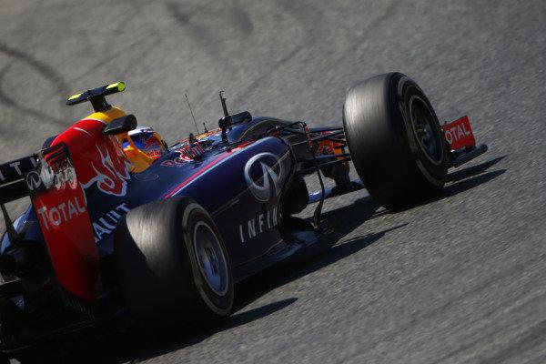 Circuit de Catalunya, Barcelona, Spain. Friday 9 May 2014. Daniel Ricciardo, Red Bull Racing RB10 Renault. World Copyright: Andy Hone/LAT Photographic. ref: Digital Image _ONY8588
