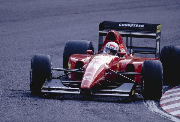 1992 Japanese Grand Prix.Suzuka, Japan. 23-25 October 1992.Nicola Larini (Ferrari F9200).Ref-92 JAP 18.World Copyright - LAT Photographic