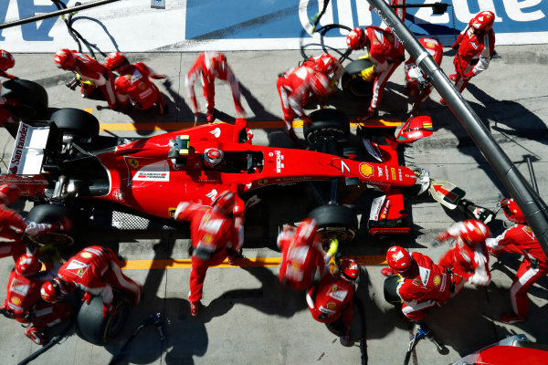 Autodromo Nazionale di Monza, Monza, Italy. Sunday 6 September 2015. Kimi Raikkonen, Ferrari SF15-T, pit stop. World Copyright: Alastair Staley/LAT Photographic ref: Digital Image _R6T1503