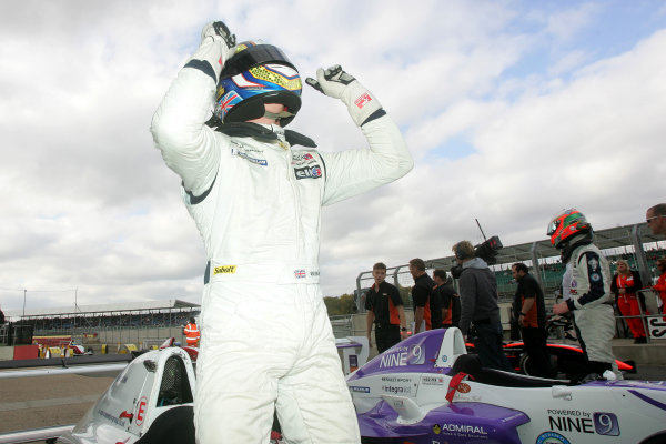 Silverstone, Northamptonshire. 14th - 16th October 2011.Matt Mason (GBR) MGR Motorsport Formula Renault.World Copyright: Ebrey/LAT Photographic.