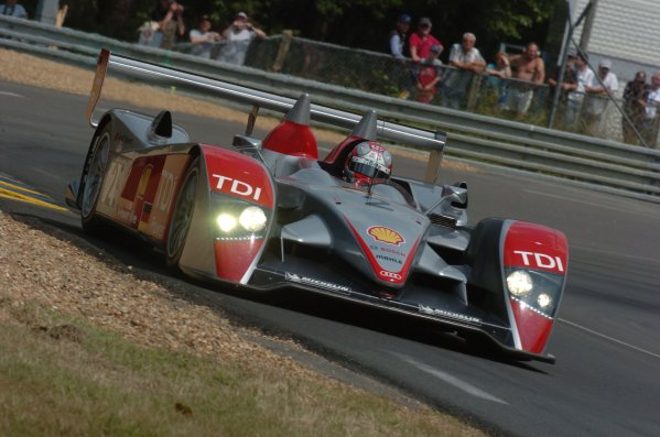 2007 Le Mans Test Day2nd and 3rd June 2007.Le Mans, France.Sunday Test DayRinaldo Capello (DNK)/Mike Rockenfeller (DEU)/Allan McNish (no 2 Audi R10 TDI) action.World Copyright: Jeff Bloxham/LAT Photographic. ref: Digital Image DSC_7459