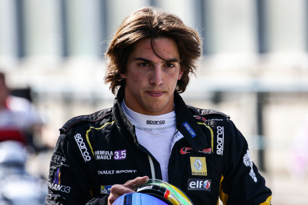 BUDAPEST (HUN) JUNE 12-14 2015 - World series by Renault 2015 at the Hungaroring. Roberto Merhi #40 Pons Racing. Portrait. © 2015 Sebastiaan Rozendaal / Dutch Photo Agency / LAT Photographic