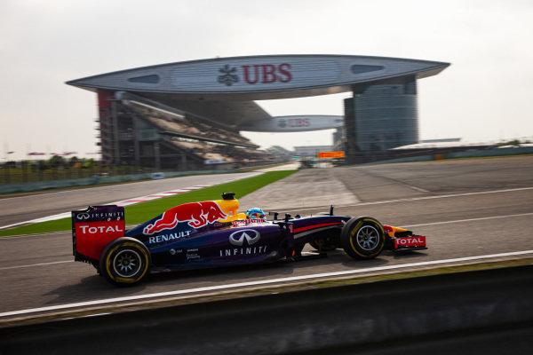 Sebastian Vettel, Red Bull RB10 Renault.