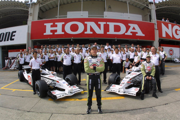 2002 Japanese Grand Prix.Suzuka, Japan. 11-13 October 2002.Olivier Panis stands at the front of the British American Racing team photo.World Copyright - LAT Photographicref: Digital File Only
