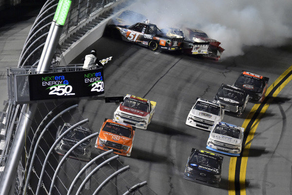 #04: Cory Roper, Roper Racing, Ford F-150 Alliance Aviation and #99: Ben Rhodes, ThorSport Racing, Toyota Tundra Bombardier LearJet 75