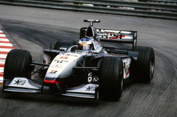 Mika Häkkinen, McLaren MP4-13 Mercedes.