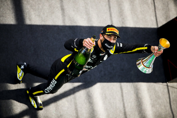 Daniel Ricciardo, Renault F1 celebrates on the podium with the champagne and the trophy