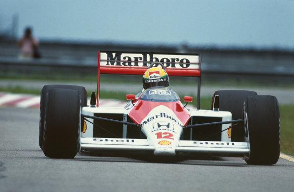 Jacarepagua, Rio de Janeiro, Brazil. 1-3 April 1988 Ayrton Senna (McLaren MP4/  World Copyright: LAT Photographic Ref: 88BRA28.