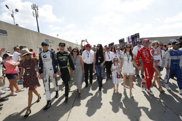 29 May, 2016, Indianapolis, Indiana Max Chilton, Charlie Kimball, Chip Ganassi, Tony Kanaan and Scott Dixon walk to the grid from the garage with their families and friends ?2016, Michael L. Levitt LAT Photo USA