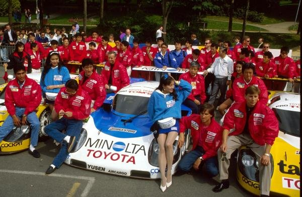 TOM'S Toyota team, L-R: