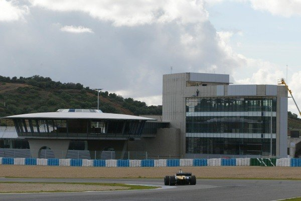 The new pit facilities at the Jerez circuit.Formula One Testing , 12 - 15 December 2002Jerez, Spain.DIGITAL IMAGE