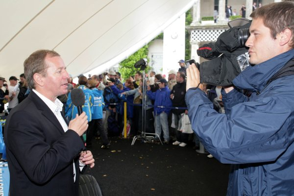 2006 Goodwood Festival of Speed.Goodwood Estate, West Sussex. 7th - 9th July 2006.Martin Brundle talks to camera.World Copyright: Gary Hawkins/LAT Photographic.ref: Digital Image Only.