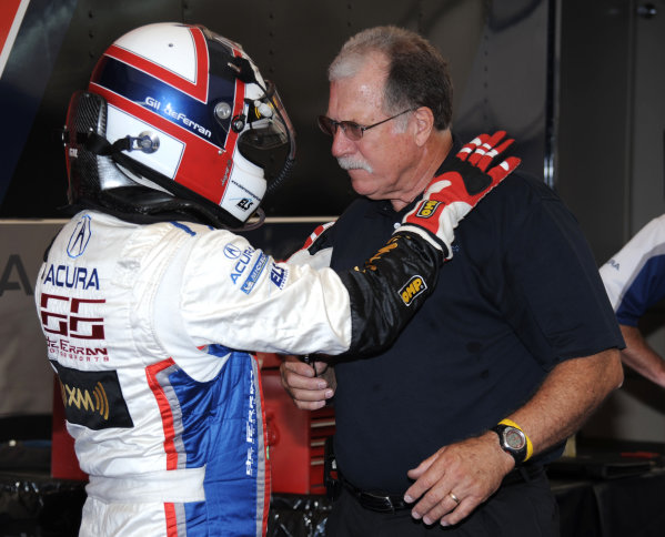 John Anderson, team manger for de Ferran Motorsports in ALMS with Gil de Ferran.