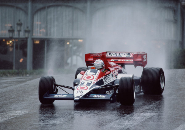 Francois Hesnault, Ligier JS23 Renault, with oversteer exiting Casino Square.