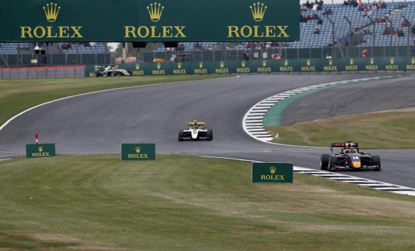 Yuki Tsunoda (JPN) Jenzer Motorsport, Max Fewtrell (GBR) ART Grand Prix