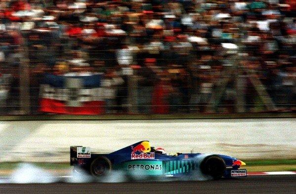 1997 Argentinian Grand Prix.Buenos Aires, Argentina.11-13 April 1997.Johnny Herbert (Sauber C16 Petronas Ferrari) 4th position.World Copyright - LAT Photographic