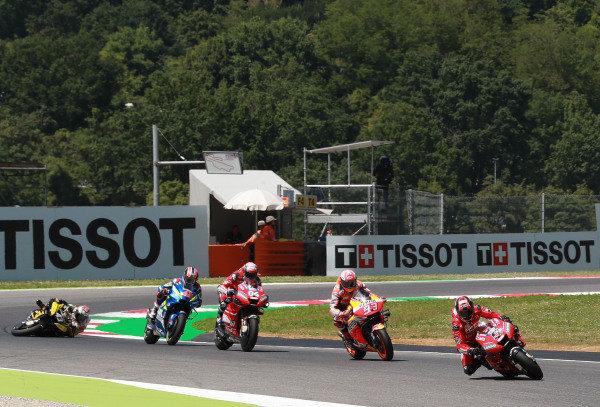 Jack Miller, Pramac Racing crashes behind  Andrea Dovizioso, Ducati Team, Marc Marquez, Repsol Honda Team, Andrea Dovizioso, Ducati Team, Alex Rins, Team Suzuki MotoGP.