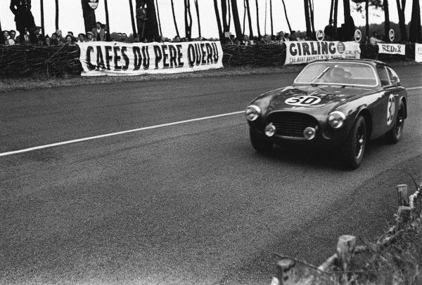 Le Mans, France. 14th - 15th June 1952 Pierre Pagnibon/Tom Cole (Ferrari 225S Berlinetta), retired, action. World Copyright: LAT Photographic Ref: L584 - 24.