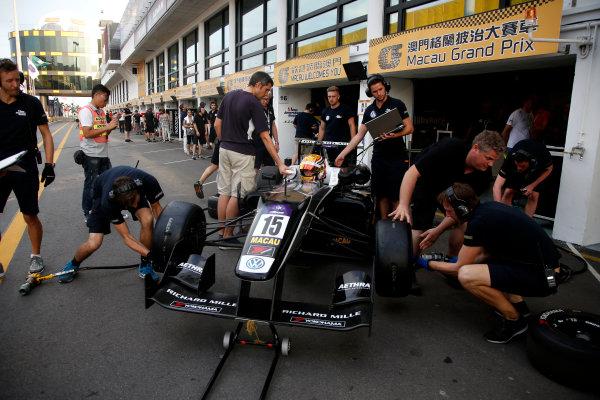 2015 Macau Formula 3 Grand Prix Circuit de Guia, Macau, China 18th - 22nd November 2015 Charles Leclerc (MON) Van Amersfoort Racing Dallara Volkswagen World Copyright: XPB Images/LAT Photographic ref: Digital Image 2015-Macau-F3-AT1-2947